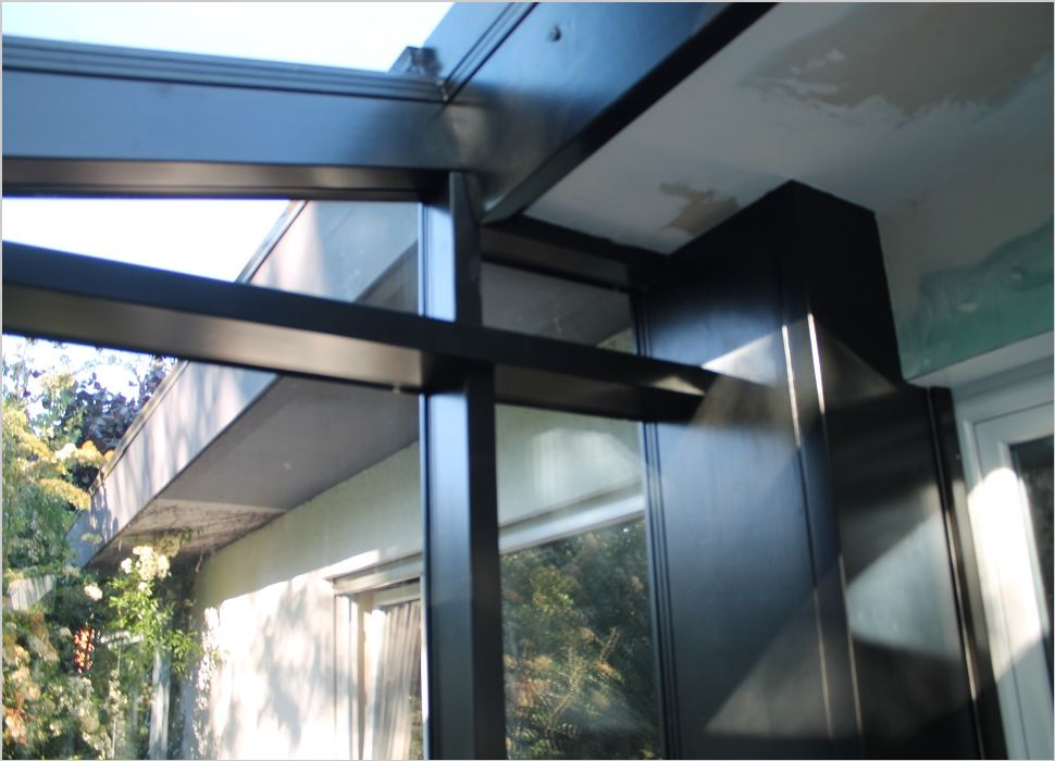 Holz-Aluminium Detail Dach und Seitenteil